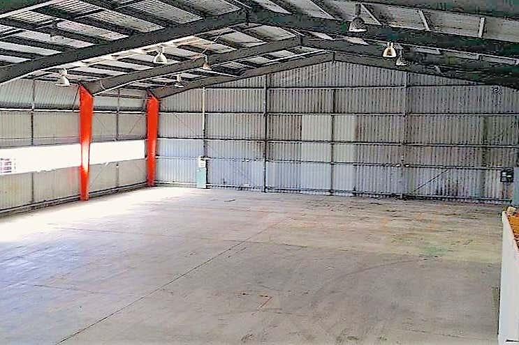 1/10 Ingleston Road Tingalpa QLD 4173 - Image 2