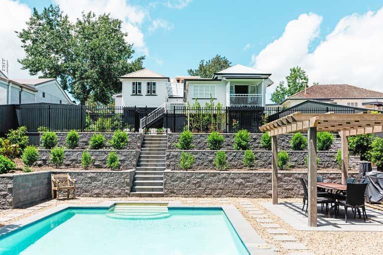 Maleny Lodge, 58 Maple Street Maleny QLD 4552 - Image 1