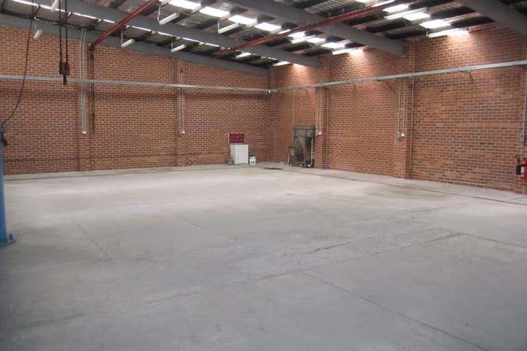 17 Pritchard Place Peakhurst NSW 2210 - Image 2