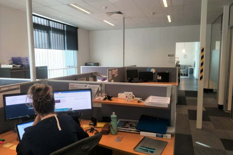 16 Kingston Drive Helensvale QLD 4212 - Image 3