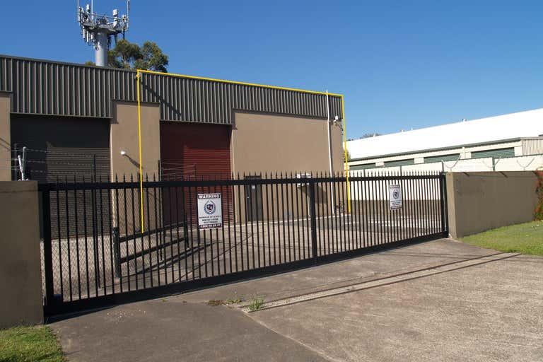 2/44 Ern Harley Drive Burleigh Heads QLD 4220 - Image 3