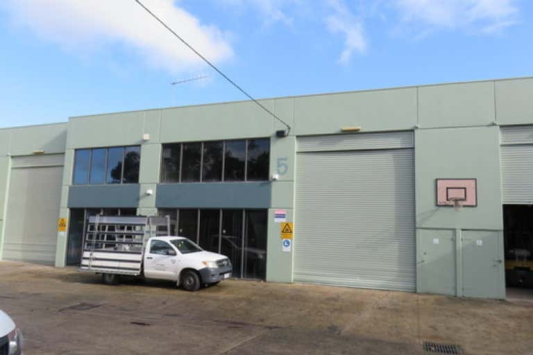2/5 Amsted Road Bayswater VIC 3153 - Image 1