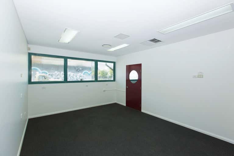 2a/10 Centennial Cct Byron Bay NSW 2481 - Image 2