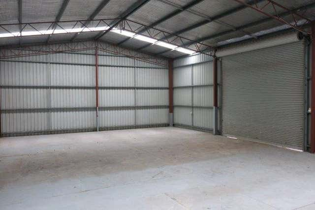 2/7 Blackmore Road Smeaton Grange NSW 2567 - Image 2