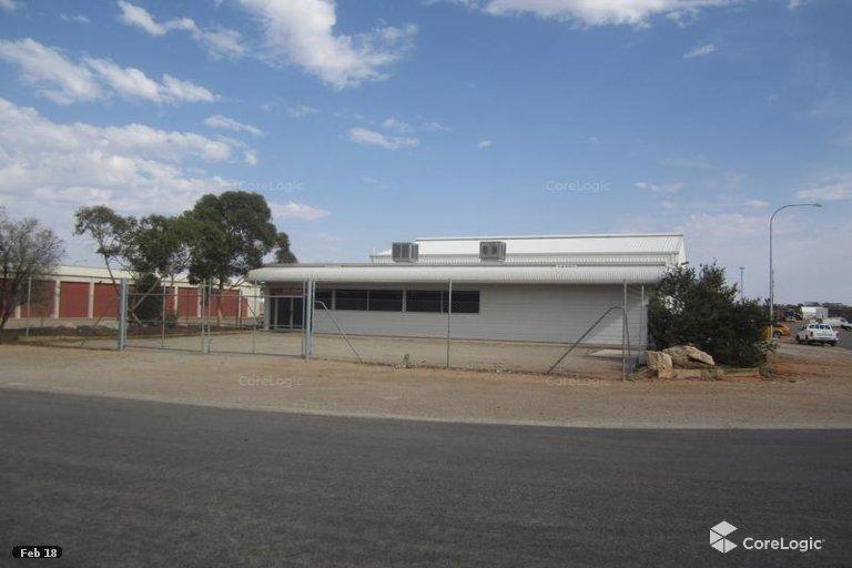 16 Gosse Street Roxby Downs SA 5725 - Image 1