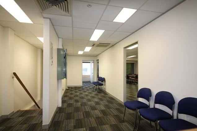 Level 1, 2/409 Logan Road Greenslopes QLD 4120 - Image 4