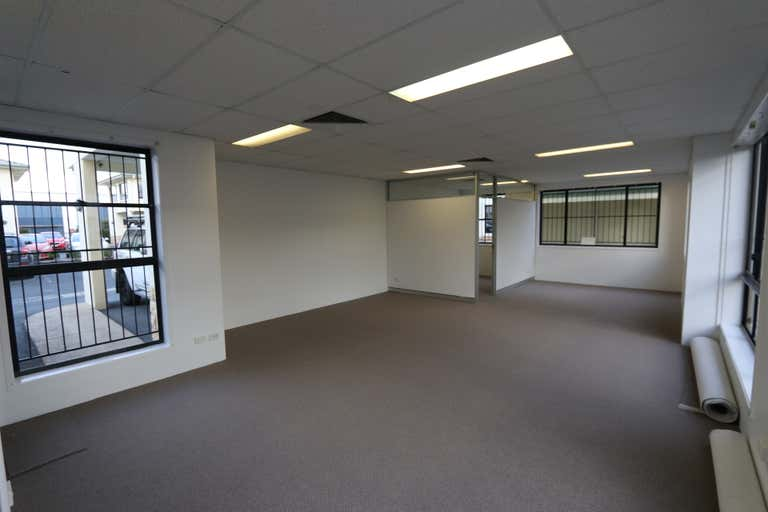 7A/5 Executive Drive Burleigh Heads QLD 4220 - Image 2