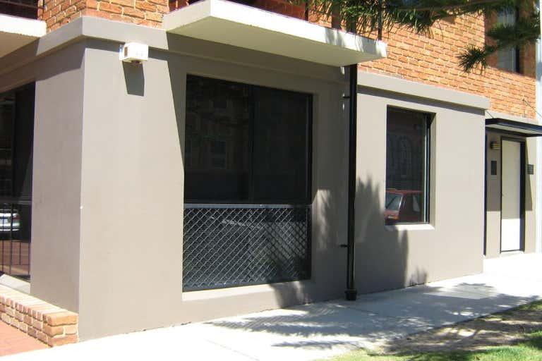 Parklane, Unit 3, 120 Lake Perth WA 6003 - Image 1