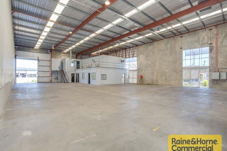 1/124 Beatty Road Archerfield QLD 4108 - Image 2