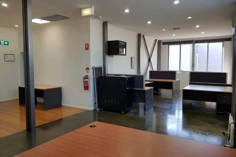 Unit 3, 343 Plummer Street Port Melbourne VIC 3207 - Image 2