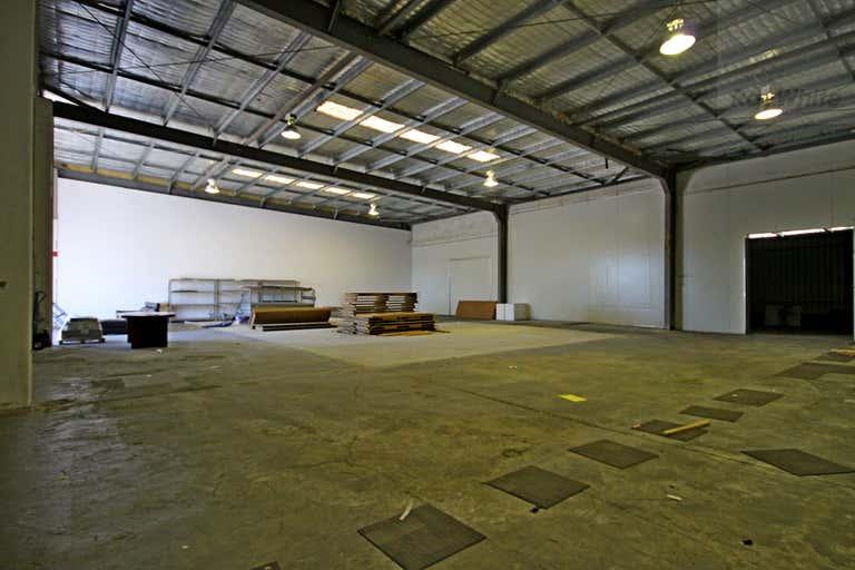 19 Leda Drive Burleigh Heads QLD 4220 - Image 2