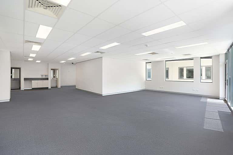 18/9 Hoyle Avenue Castle Hill NSW 2154 - Image 2