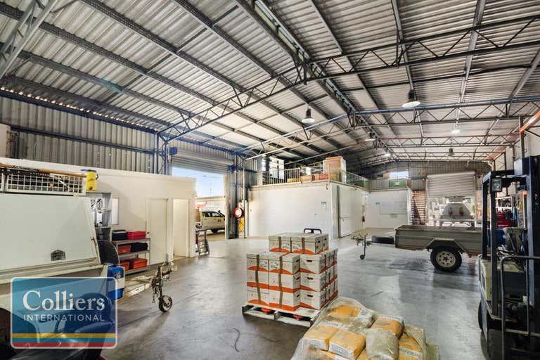 30 HUGH RYAN Drive Garbutt QLD 4814 - Image 2