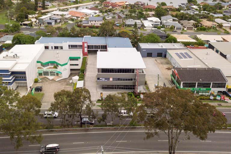 2/79 West Burleigh Road Burleigh Heads QLD 4220 - Image 1