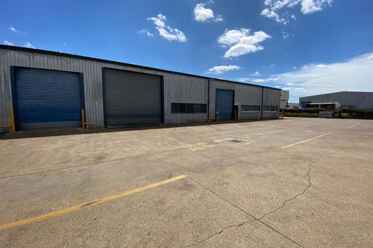 4/134 Boniface Street Archerfield QLD 4108 - Image 1