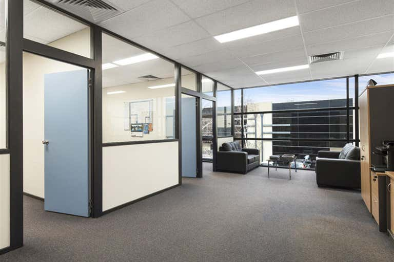 5/21 Howleys Road Notting Hill VIC 3168 - Image 2