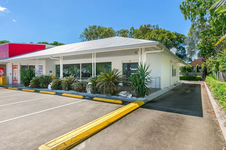 United Cairns North - Drive Thru, 230 Sheridan Street Cairns North QLD 4870 - Image 1