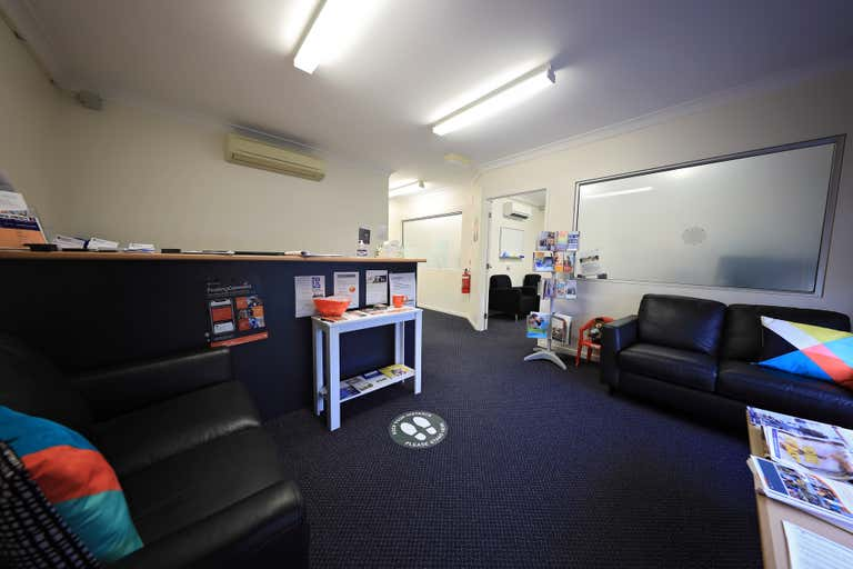 Unit 4, 97 Spence Street Cairns City QLD 4870 - Image 2