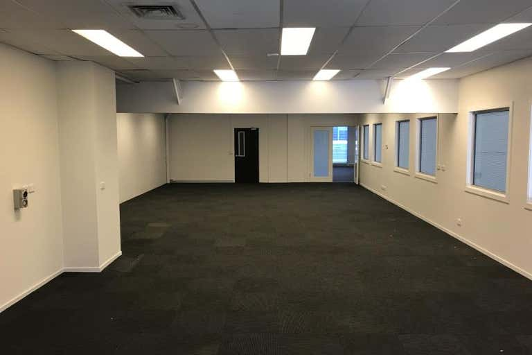 53 Brady Street Port Melbourne VIC 3207 - Image 2