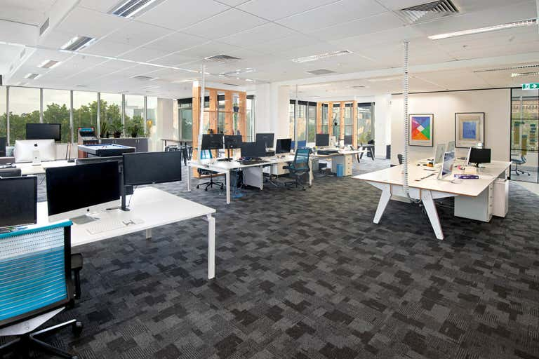 Level 4, 2 Russell St Melbourne VIC 3000 - Image 1