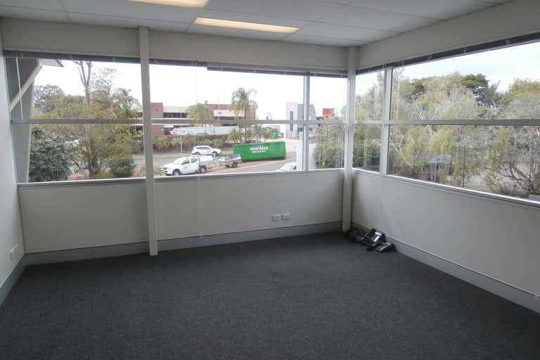 1/44 Devlan Street Mansfield QLD 4122 - Image 2