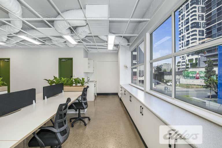 2/17 Peel Street South Brisbane QLD 4101 - Image 2