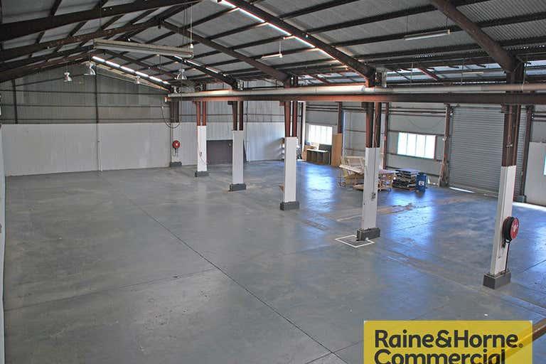 5/1089 Kingsford Smith Drive Eagle Farm QLD 4009 - Image 2