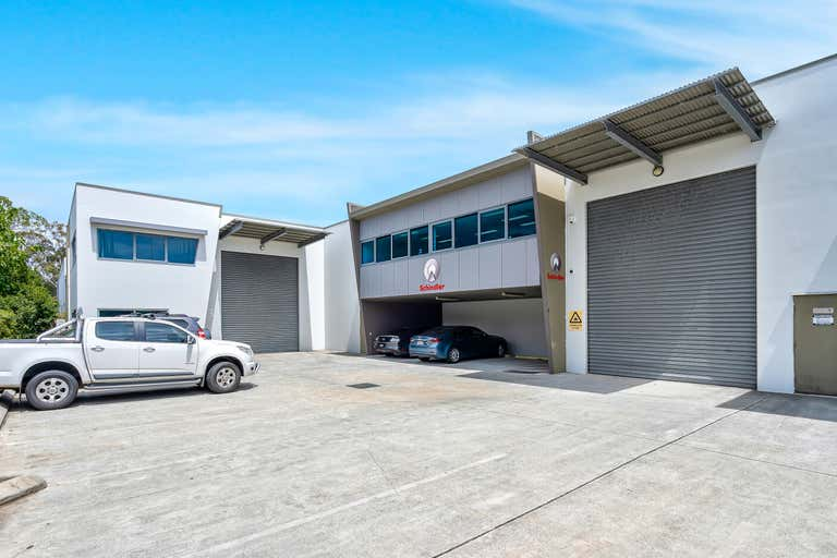 Unit 2, 53 Newheath Drive Arundel QLD 4214 - Image 1