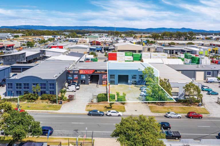 Unit 2, 29-31 Ereton Drive Arundel QLD 4214 - Image 1