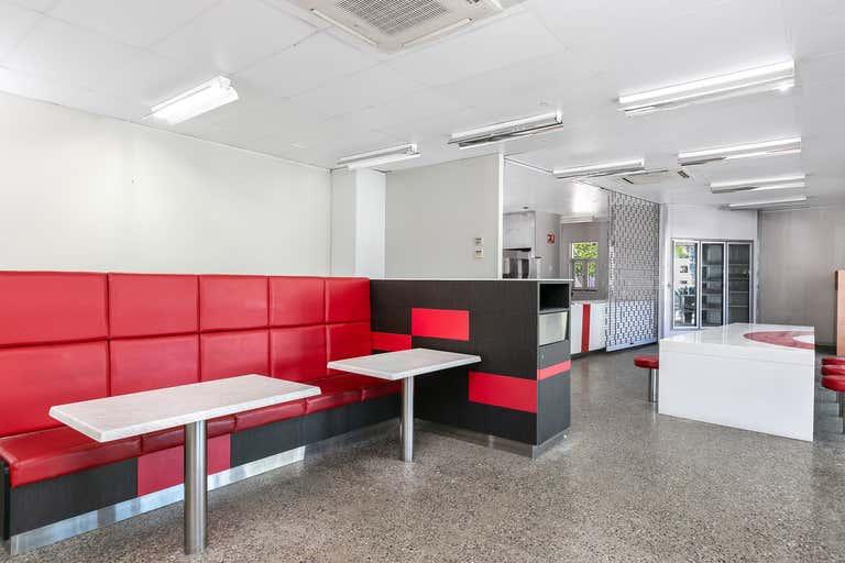 United Cairns North - Drive Thru, 230 Sheridan Street Cairns North QLD 4870 - Image 2