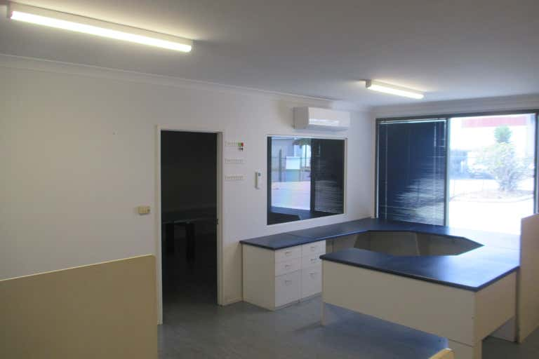 9 Bramp Close Portsmith QLD 4870 - Image 2