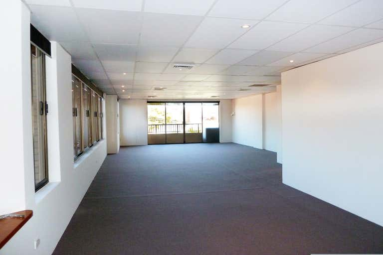 Suite 4, 6-7 Gurrigal Street Mosman NSW 2088 - Image 2