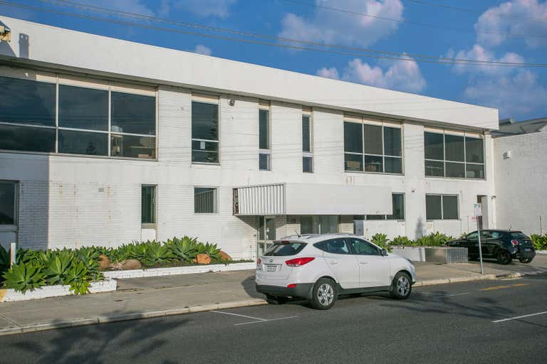 176 Marine Terrace Fremantle WA 6160 - Image 2