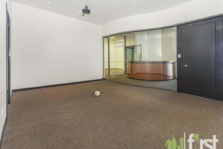 2/2 Manning Street South Brisbane QLD 4101 - Image 2