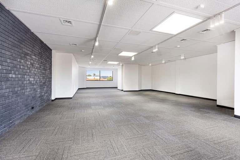 306 Bay Street Port Melbourne VIC 3207 - Image 2