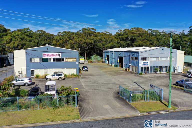 20 & 22 Dee Crescent Tuncurry NSW 2428 - Image 2