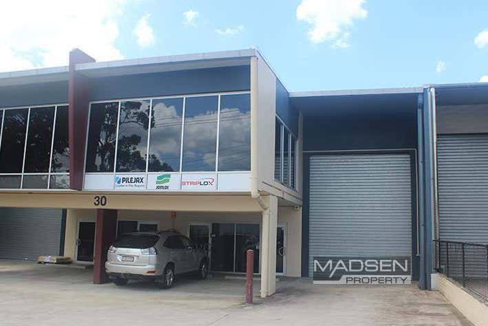 2/30 Walker Street Tennyson QLD 4105 - Image 1