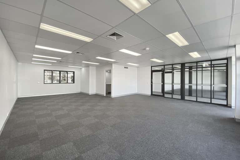 108 Brisbane Road Mooloolaba QLD 4557 - Image 2