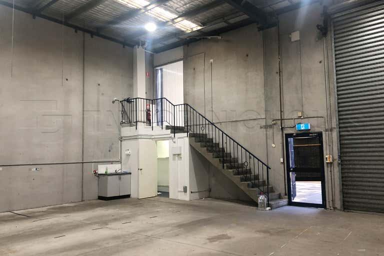 8/17 Cadogan Street Marrickville NSW 2204 - Image 2