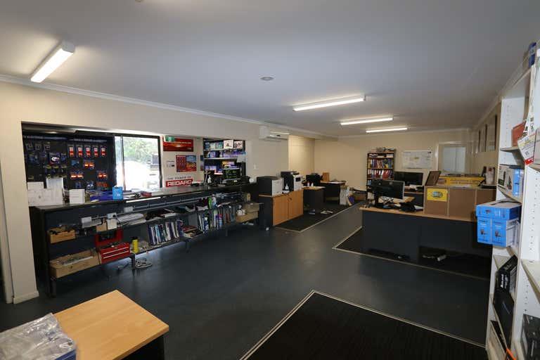 1/17 Rothcote Court Burleigh Heads QLD 4220 - Image 2
