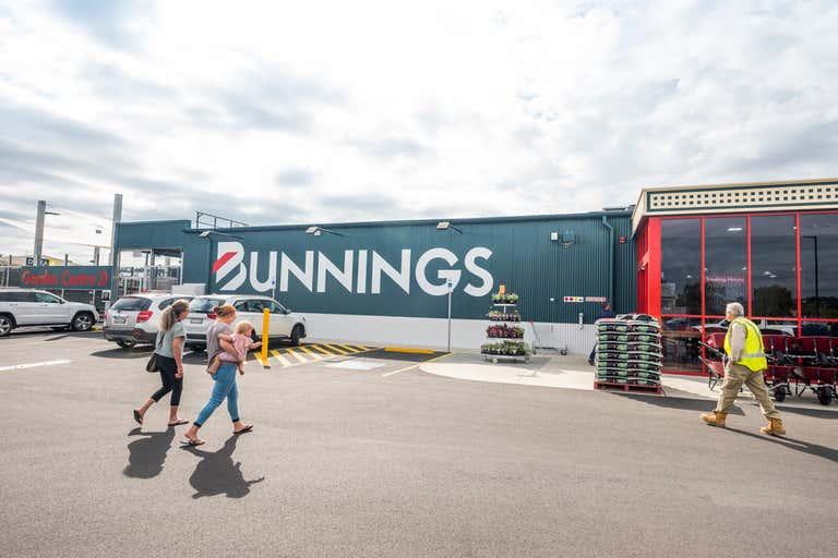 Bunnings Warehouse, Young 282 Boorowa Street Young NSW 2594 - Image 2