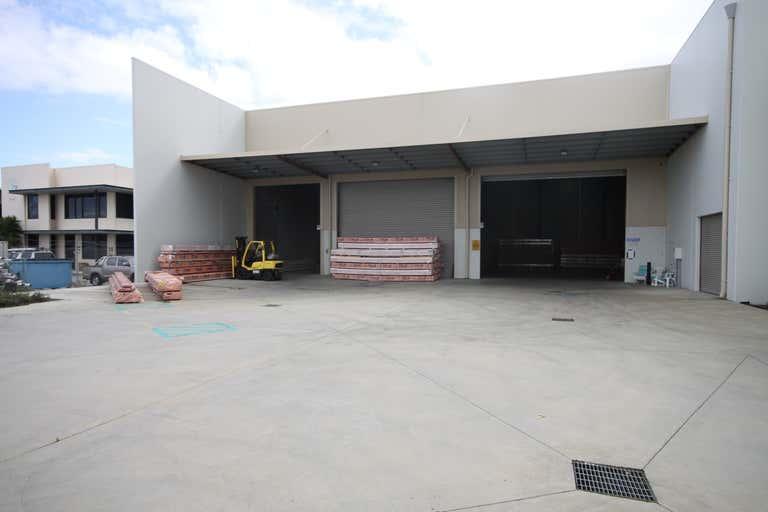 33 Tacoma Circuit Canning Vale WA 6155 - Image 2