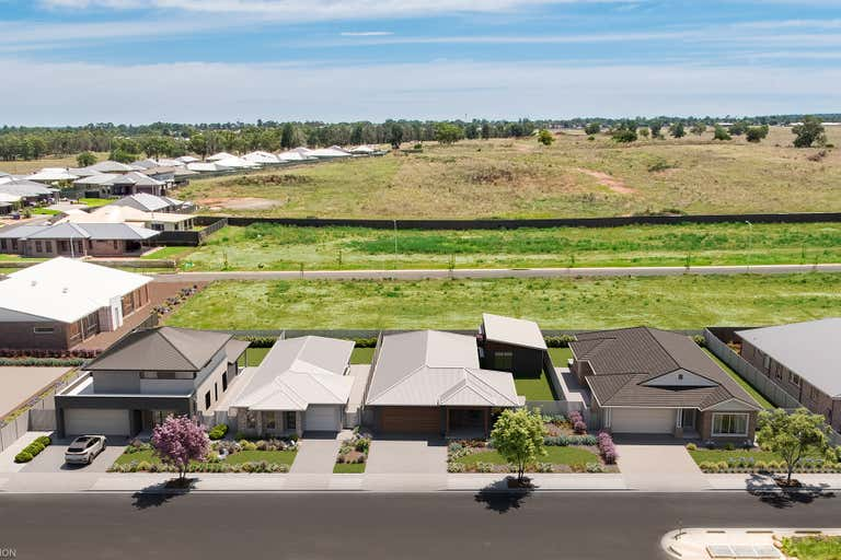 MAAS Display Village, Lots 2809-2811, 38 Azure Avenue, Southlakes Estate Dubbo NSW 2830 - Image 2