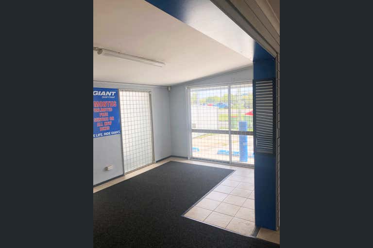 186 Brisbane Road Arundel QLD 4214 - Image 2