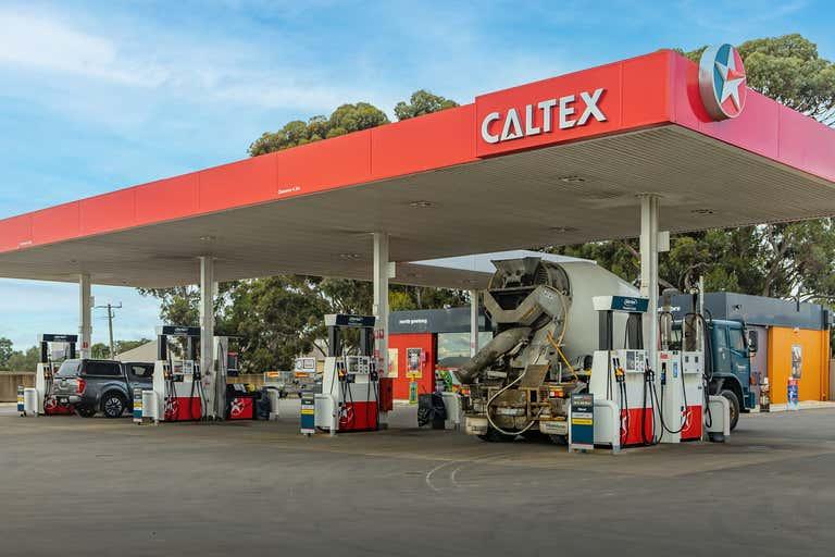 Caltex - 358 Thompson Road (Cnr Of Naughton Avenue) North Geelong VIC 3215 - Image 1