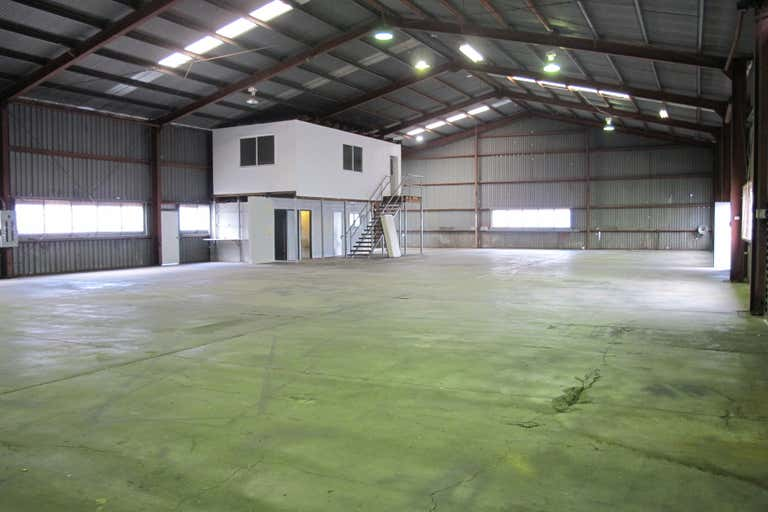 4/134 Boniface Street Archerfield QLD 4108 - Image 2