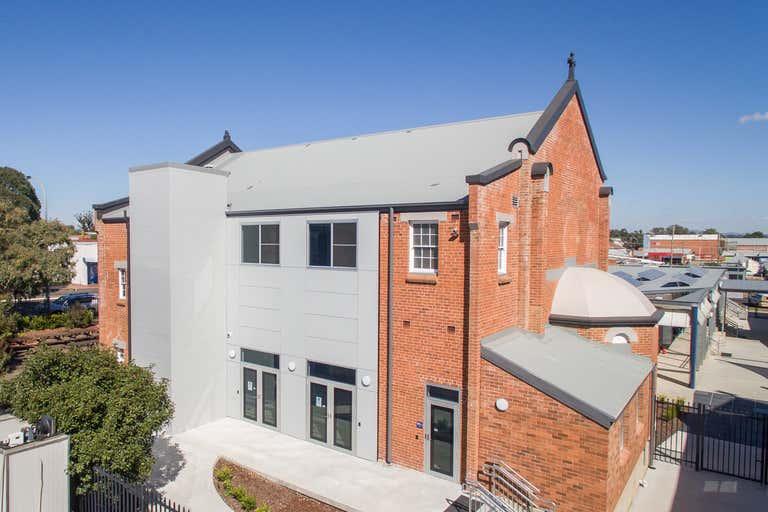 Level 1, 85 Bridge Street Tamworth NSW 2340 - Image 2