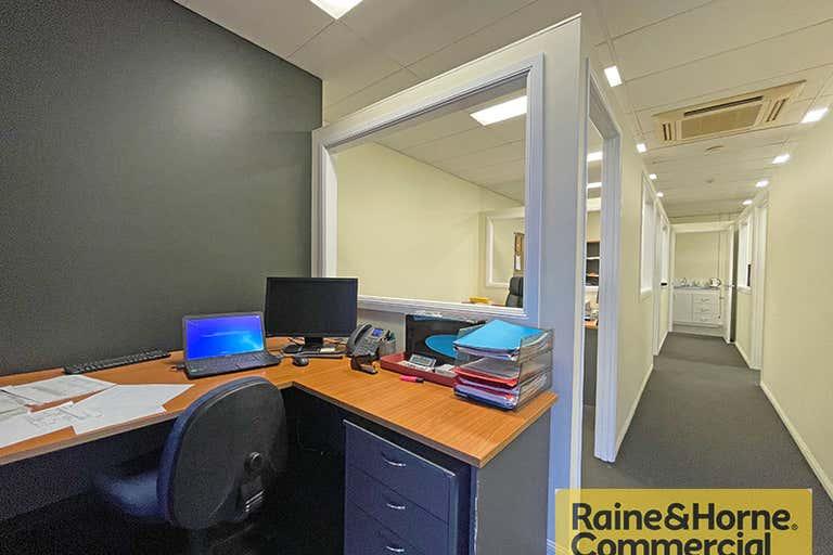 11/996 Anzac Avenue Petrie QLD 4502 - Image 2