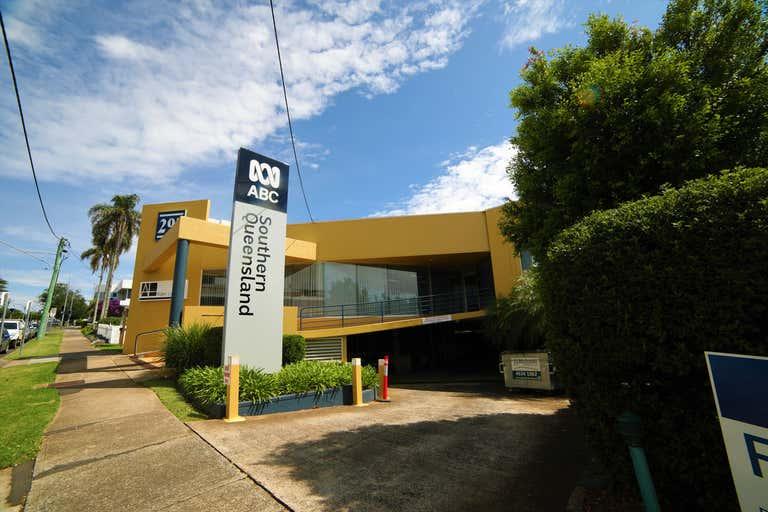 4/297 Margaret Street Toowoomba City QLD 4350 - Image 2
