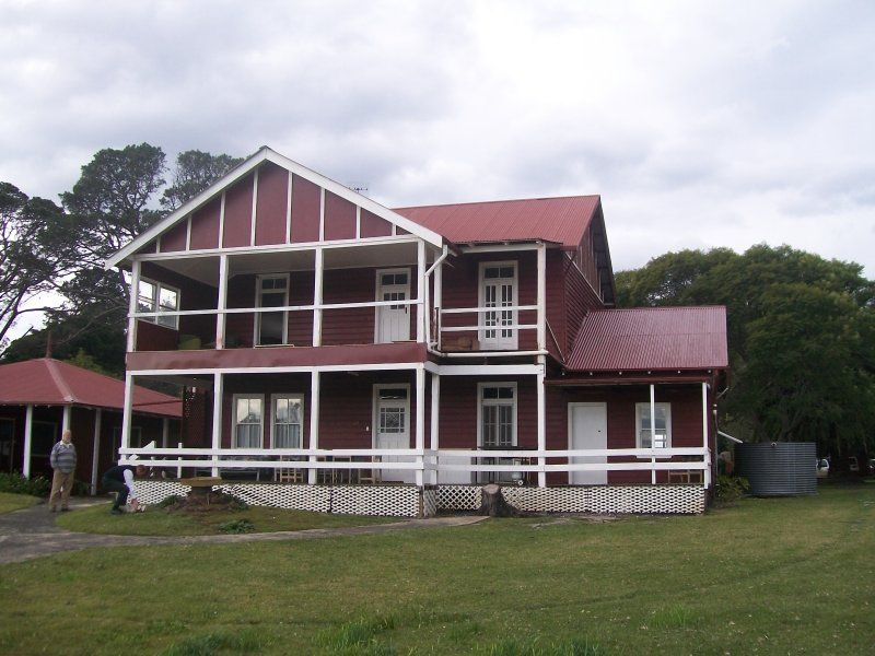 christian singles in jervis bay territory Baru menempah di jervis bay territory tallowood is a large, stylish one bedroom beach house designed for couples it is situated in a quiet residential location at sanctuary point on the waterfront of beautiful st georges' basin, 2.